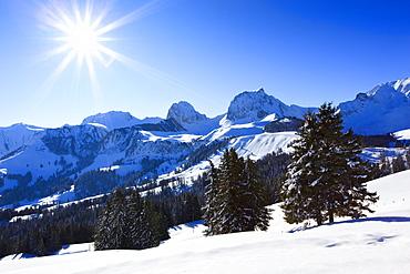 Schweizer Voralpen, Chrumfadeflue, - 2079 m, Nuenenen - 2101m, Gantrisch - 2175 m, Buerglen - 2165, Bern, Schweiz