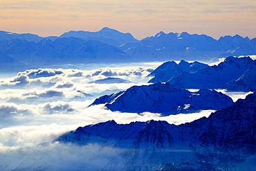 Mont-Blanc - 4810 m, hoechster Berg Europas, Italiensiche- und Franzoesische Alpen, Aussicht vom Klein Matterhorn, Schweiz