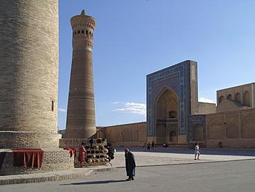 Uzbekistan the kalon minaret and mosque, bukhara