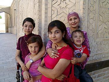 Uzbekistan woman with children, bukhara