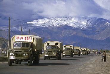 Tibet (china) chinese convoy entering lhasa