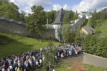 """Russiapilgrims clergy circumambulating monastery during annual feast procession on 28/8/2006 atpechersky """" caves"""" monastery, pskov district, founded on august 28th 1473 by saint jonah sheshnik."""