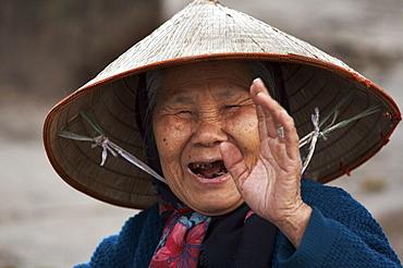 Vietnam lenin park, hanoi. old woman