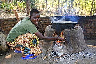 Burundi agakura, a youth agricultural project in gitera. Preparing food at the main kitchen.