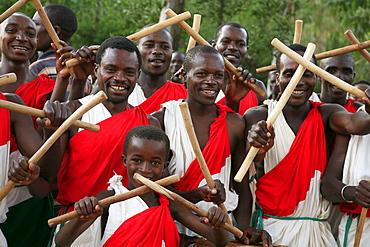 Burundi local drum and dance group, gitera.