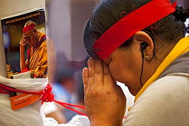 Pilgrim devotion. Kalachakra 2012, bodhgaya, india