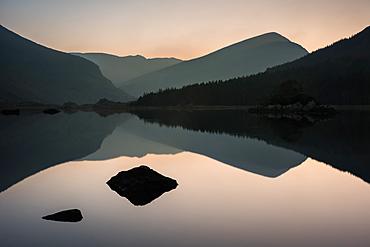Cummeenduff Lake, Black Valley, Macgillycuddy's Reeks, Killarney, County Kerry, Munster, Republic of Ireland, Europe
