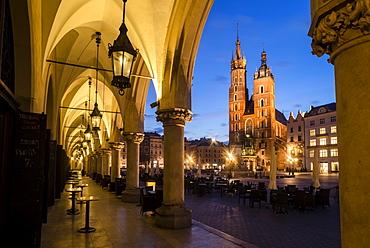 St. Mary's Church (St. Marys Basilica) and main square illuminated at dawn, UNESCO World Heritage Site, Krakow, Poland, Europe - 1200-63