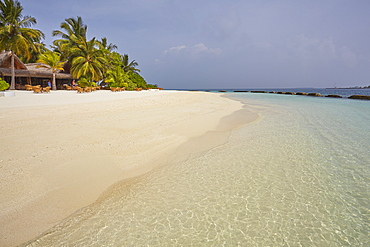 Beach scene on Kuramathi Island, Rasdhoo atoll, Ari atoll, Maldives, Indian Ocean, Asia