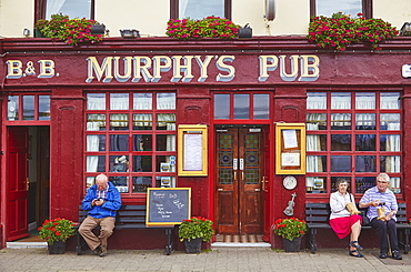 A pub front, Dingle town, County Kerry, Munster, Republic of Ireland, Europe