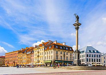 Sigismund's Column and buildings in Plac Zamkowy (Castle Square), Old Town, UNESCO World Heritage Site, Warsaw, Poland, Europe