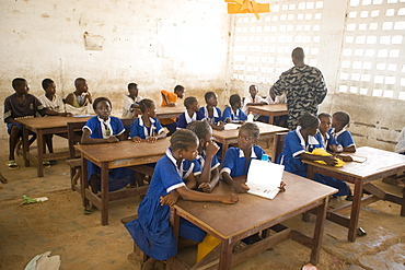 Children in the classroom, Balaba School, The Gambia, West Africa, Africa