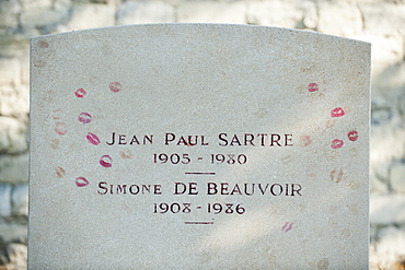 Gravestone of existentialist writers Jean Paul Sartre and Simone de Beauvoir at Pere Lachaise Cemetery, Paris, France, Europe