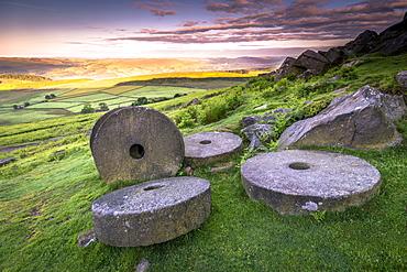 Stanage Edge millstones at sunrise, Peak District National Park, Derbyshire, England, United Kingdom, Europe