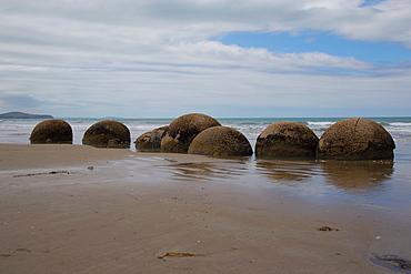Moeraki Boulders, Koekohe Beach, Otago, South Island, New Zealand, Pacific