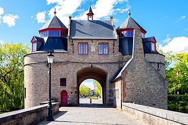 Ezelpoort (Donkey's gate), Bruges, West Flanders province, Flemish region, Belgium, Europe