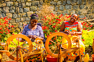 Women Weavers in Handspun Hope NGO, Volcanoes National Park, Rwanda, Africa