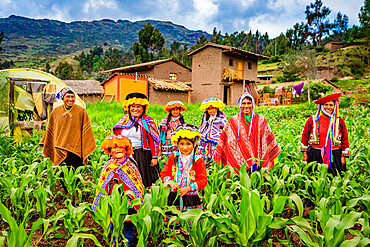 Quechua family of the president of the Amaru Community, Sacred Valley, Peru, South America