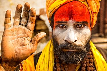 Hindu holy man at Pashupati Temple, Kathmandu, Nepal, Asia