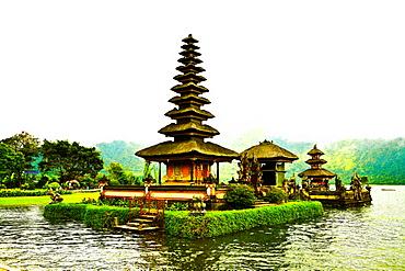 Pura Ulun Danu Temple, Lake Bratan, Bali, Indonesia, Southeast Asia, Asia