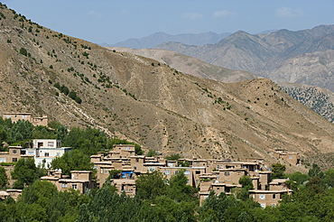 Mountainous Panjshir Valley which endures six-month winters during which temperatures can reach twenty degrees Celsius below zero, Afghanistan, Asia