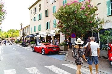 Luxury shops, Saint Tropez, Var, Cote d'Azur, Provence, France, Europe