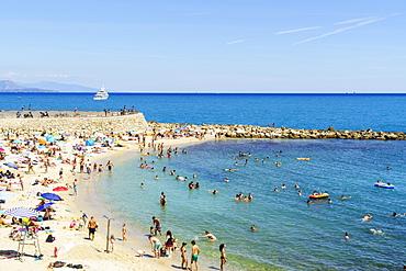 Plage de la Gravette, Antibes, Alpes Maritimes, Cote d'Azur, Provence, France, Mediterranean, Europe