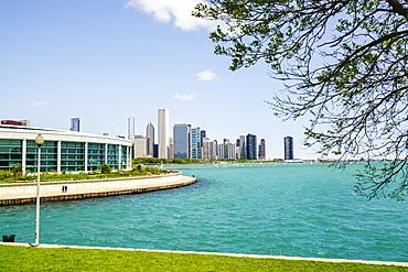 Shedd Aquarium, Lake Michigan and city skyline beyond, Chicago, Illinois, United States of America, North America