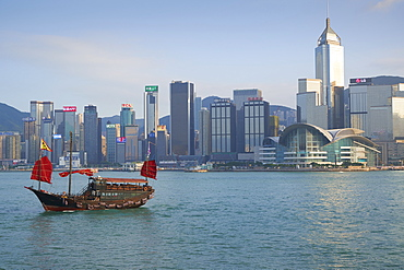 Traditional Chinese junk boat for tourists on Victoria Harbour, Hong Kong, China, Asia