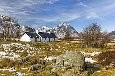 Black Rock Cottage and Buachaille Etive Mor, Glen Coe, Argyll and Bute, Scotland, United Kingdom, Europe