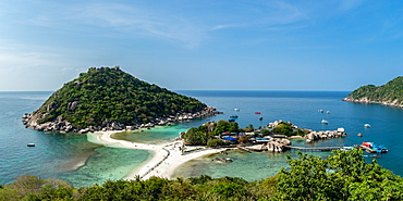 The triple islands of Koh Nang Yuan are connected by a shared sandbar just off the coast of Koh Tao, Thailand, Southeast Asia, Asia