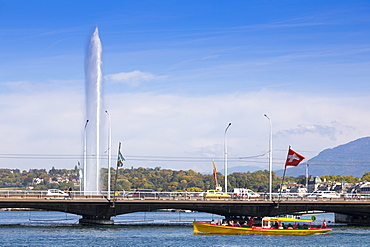 Jet d'Eau fountain and water taxi, Geneva, Switzerland, Europe