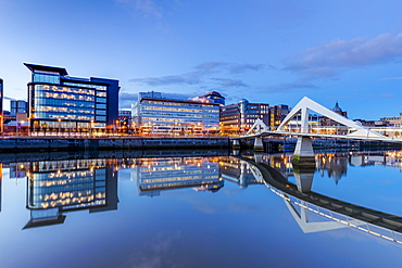 Tradeston Bridge, Squggily Bridge, International Financial Services District, Glasgow, Scotland, United Kingdom, Europe