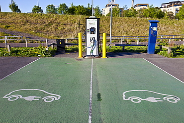Charging station for electric cars, Glasgow, Scotland, United Kingdom, Europe