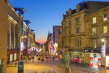 Buchanan Street at Christmas, City Centre, Statue of Donald Dewar, Glasgow, Scotland, United Kingdom, Europe