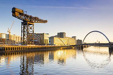 Finnieston Crane and Clyde Arc (Squinty Bridge), River Clyde, Glasgow, Scotland, United Kingdom, Europe