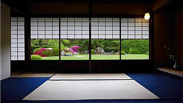 Tea room in Jonan-gu shrine gardens, Kyoto, Japan, Asia