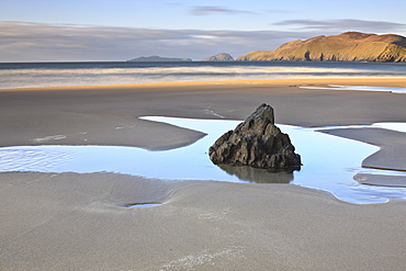 Coumeenoole Bay, Dingle Peninsula, County Kerry, Munster, Republic of Ireland, Europe