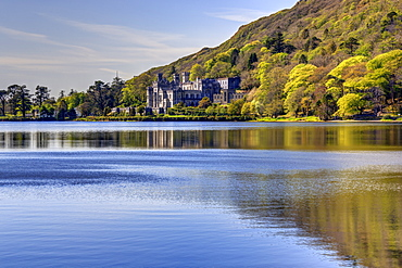 Kylemore Abbey, Connemara, County Galway, Connacht, Republic of Ireland, Europe