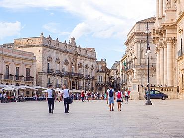 Piazza Duomo, Ortygia, UNESCO World Heritage Site, Syracuse (Siracusa), Sicily, Italy, Europe