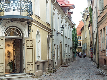 Winding medieval street, Old Town, Tallinn, Estonia, Baltics, Europe