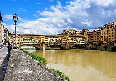 Ponte Vecchio and Arno River, Florence, UNESCO World Heritage Site, Tuscany, Italy, Europe