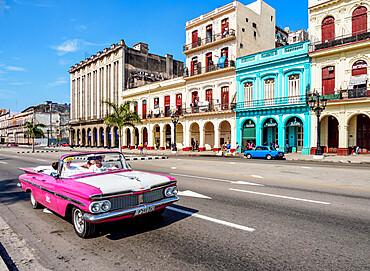 Vintage car at Paseo del Prado (Paseo de Marti), Havana, La Habana Province, Cuba, West Indies, Caribbean, Central America