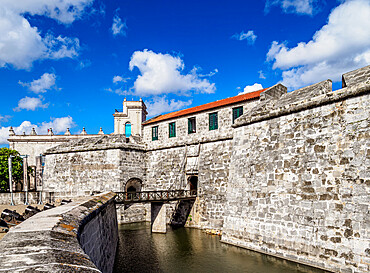 Castillo de la Real Fuerza (Castle of the Royal Force), La Habana Vieja, UNESCO World Heritage Site, Havana, La Habana Province, Cuba, West Indies, Caribbean, Central America