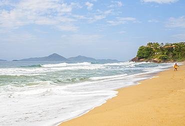 View of the Praia Vermelha, Ubatuba, State of Sao Paulo, Brazil, South America