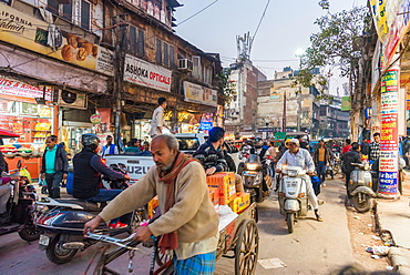 Chandni Chowk street market, New Delhi, India, Asia