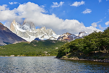 Capri Lagoon with Monte Fitz Roy in the background, Patagonia, Argentina, South America
