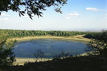 Lake Paradise, Marsabit National Park and Reserve, Kenya, East Africa, Africa