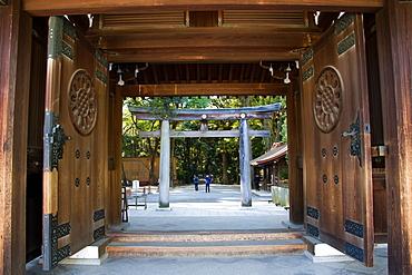 The Meiji Shrine Torii gate, Yoyogi Park, Tokyo, Japan, Asia