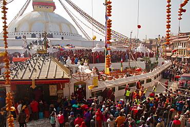 Tibetan people at Boudhanath Stupa (Bodhnath Stupa), UNESCO World Heritage Site, Kathmandu, Nepal, Asia